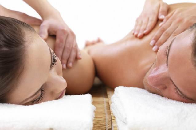 Massaggio-di-coppia-638x425
